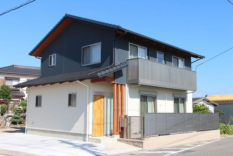 広い玄関土間と家事のしやすい家【豊田市 S様邸】