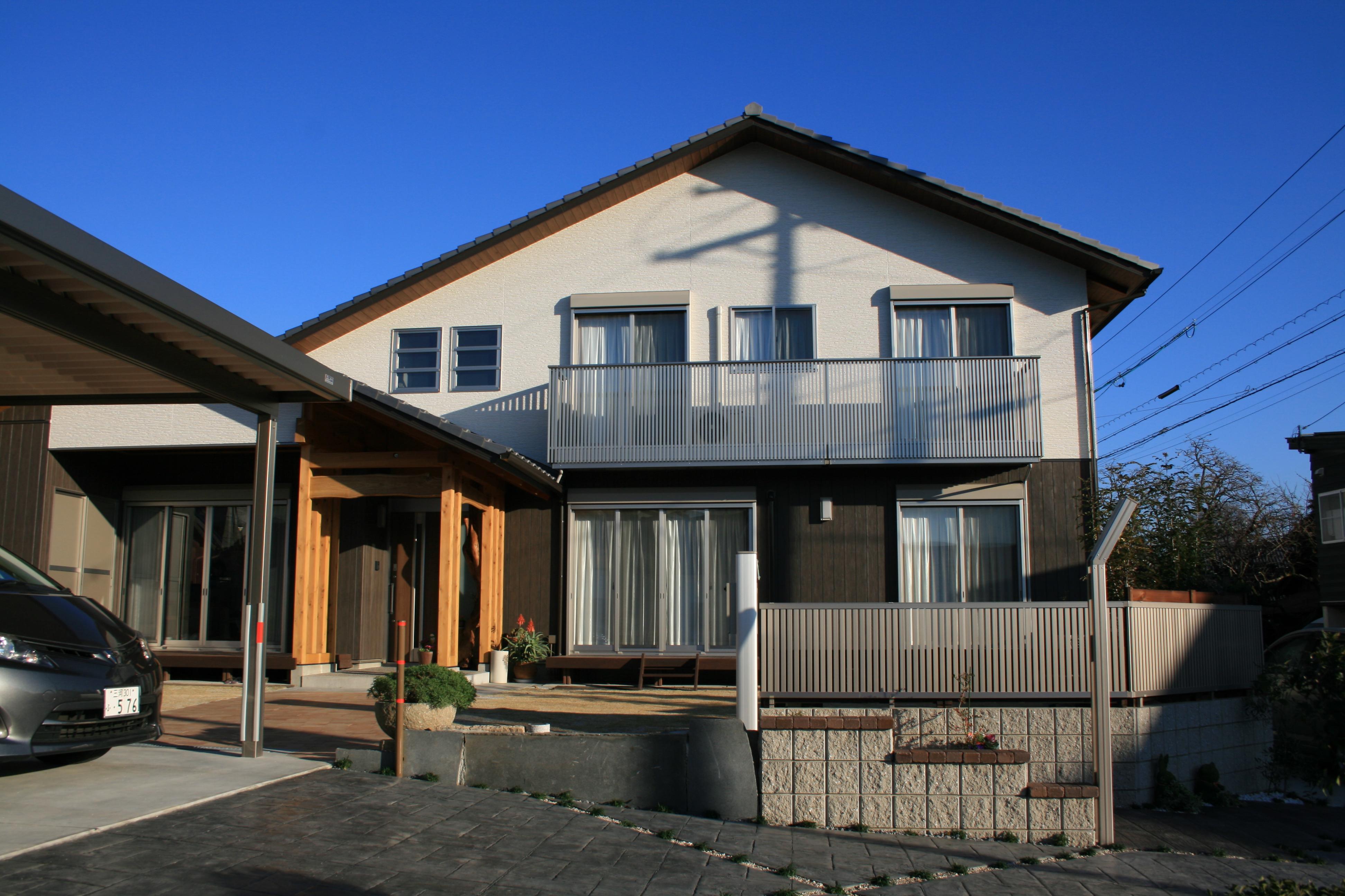 開放的な玄関ホールのある2世帯住宅【岡崎市 S様邸】