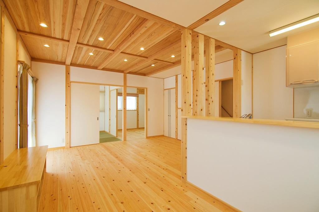 豊田市都築建設の豊田市桝塚西町の新築一戸建てのリビングダイニング2