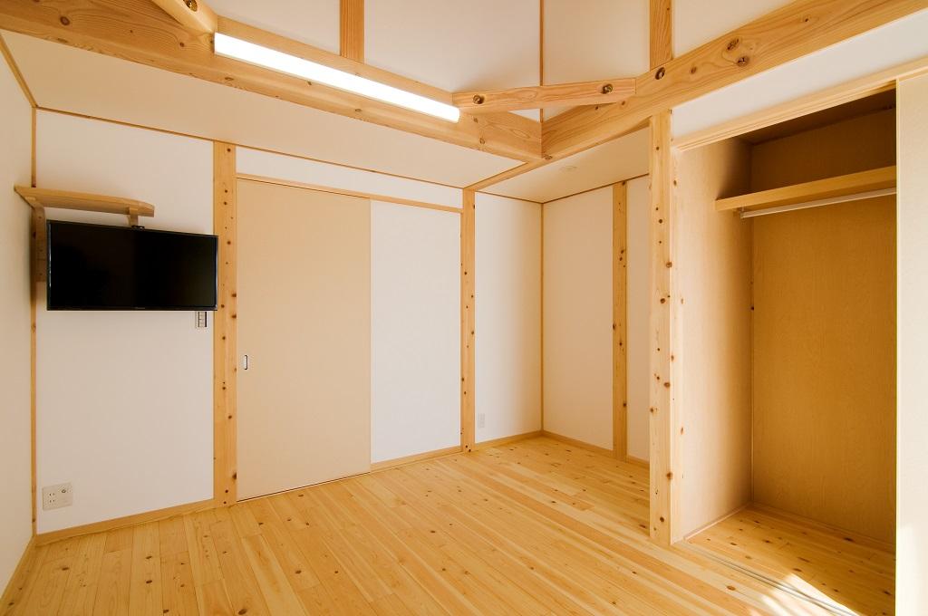 都築建設の建てた豊田市桝塚西町の新築一戸建ての2階洋室
