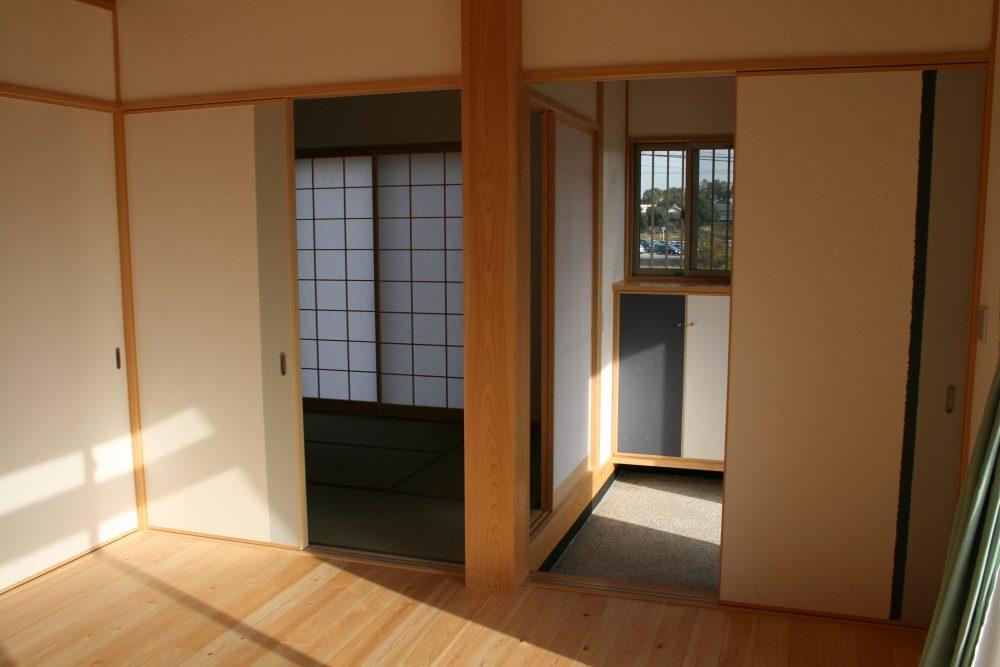 豊田市都築建設が建てた安城市新築一戸建て住宅Y様玄関土間と和室
