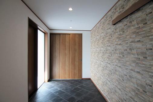 岡崎市会社事務所のモダンな玄関土間