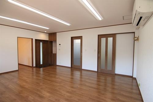 豊田市の工務店が建てた岡崎市会社事務所の事務所室
