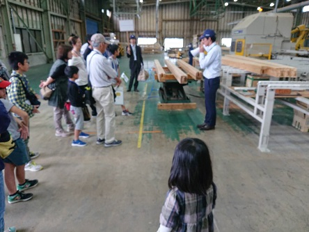豊田市木の家工務店都築建設のバスツアーにてプレカット工場見学