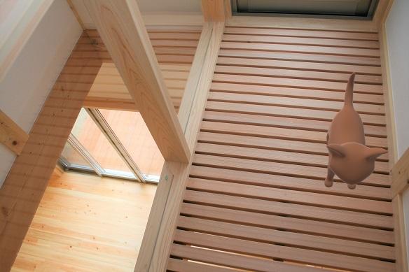 豊田市木の家工務店都築建設のお客様の家キャットウォーク
