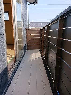 豊田市の木の家工務店都築建設の注文住宅建築中ベランダ取付