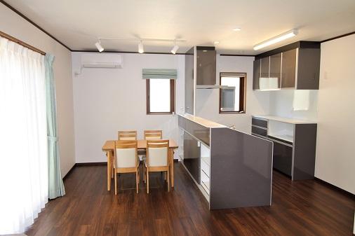 豊田市の木の家工務店都築建設の施工例キッチン・ダイニング