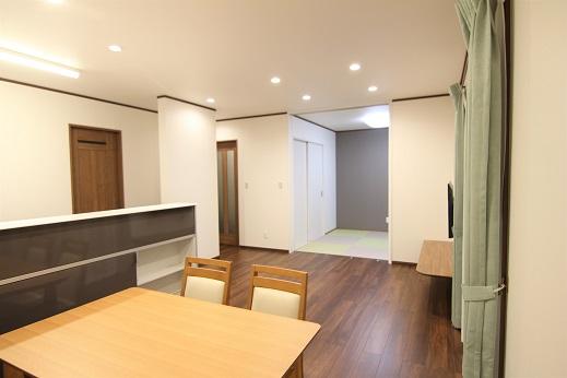 豊田市の木の家工務店都築建設の施工例注文住宅LDK