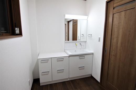 豊田市の木の家工務店都築建設の施工例洗面・脱衣室