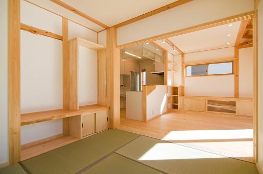 豊田市の木の家工務店都築建設の施工例m様邸リビング