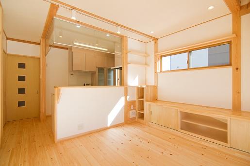 豊田市の木の家工務店都築建設の施工例m様邸LDK