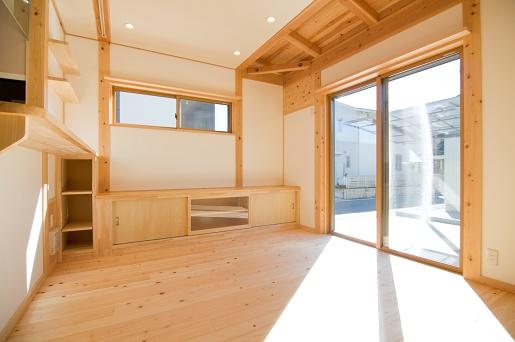 豊田市の木の家工務店都築建設の施工例m様邸リビングダイニング
