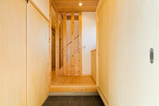 豊田市の木の家工務店都築建設の施工例m様邸玄関