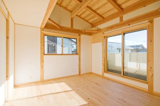 豊田市の木の家工務店都築建設の施工例m様邸寝室