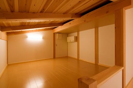 豊田市の木の家工務店都築建設の施工例m様邸小屋裏部屋