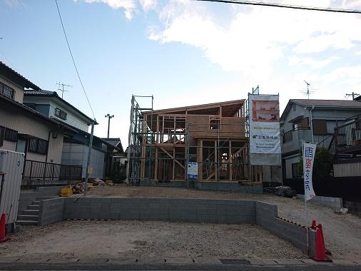 豊田市の雨楽な家工務店都築建設の注文住宅の建前2
