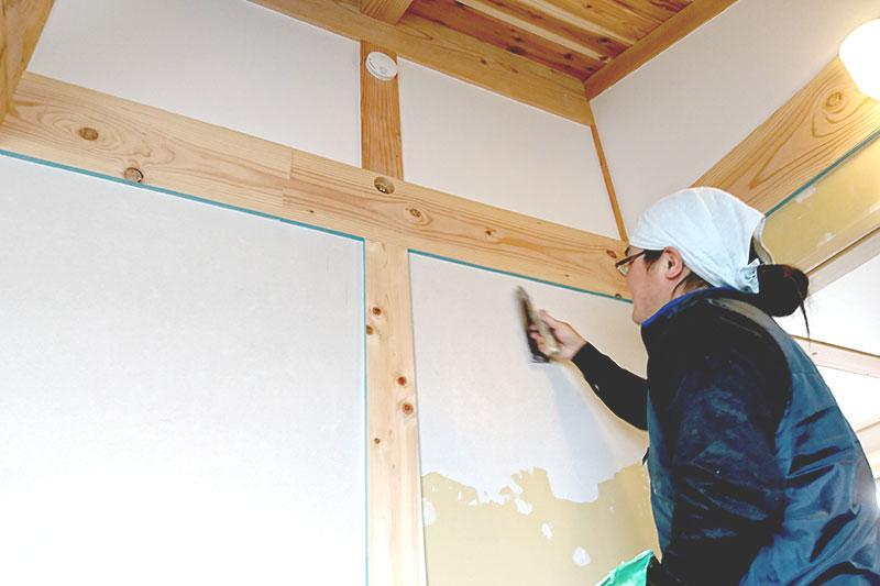 豊田市の自然素材の家の塗装