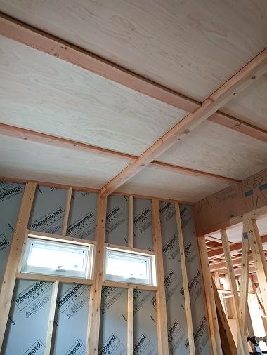 豊田市の木の家工務店都築建設の注文住宅建築中