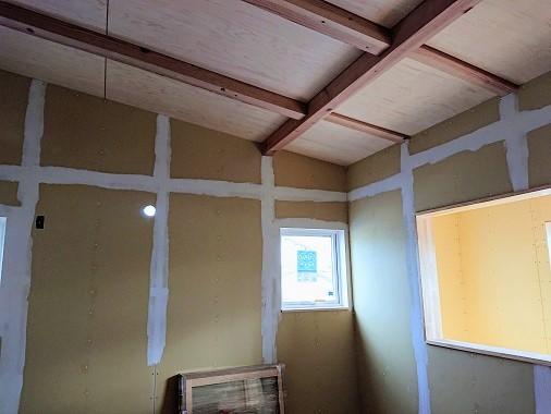 豊田市の木の家工務店都築建設の施工例ボードパテ込み
