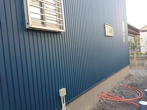 豊田市の木の家工務店都築建設の施工例外部給湯器配管