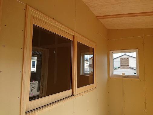 豊田市の木の家工務店都築建設の施工例豊田市注文住宅内窓