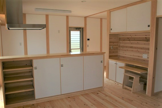 豊田市の木の家工務店都築建設の施工例ワークスペース