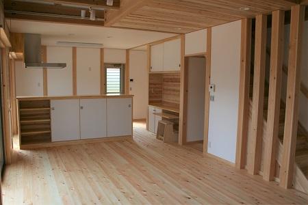 豊田市木の家工務店都築建設の施工例 リビングダイニング造作家具